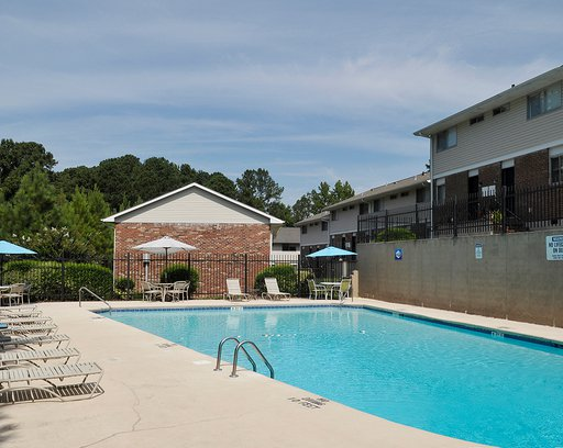 spacious pool of the Willow Ridge Townhomes